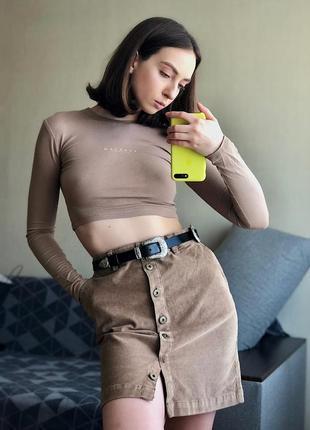 Вельветовая юбка на высокой талии