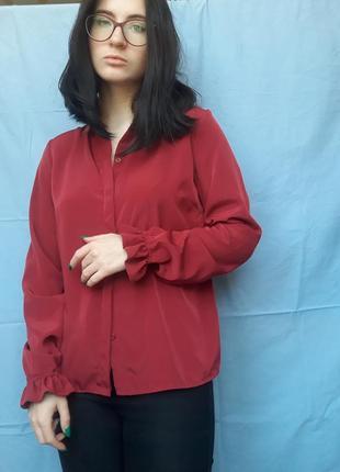 Блузка с фактурными манжетами