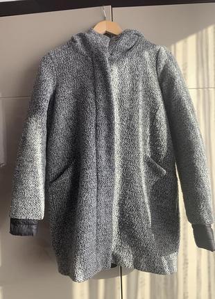 Пальто жіноче reserved з капюшоном