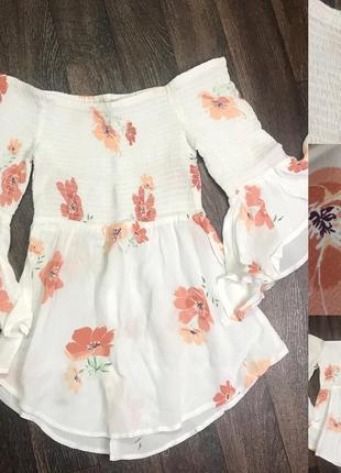 Блуза со спущенными плечами удлинённая