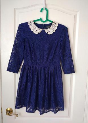 Шикарное кружевное платье с ажурным воротничком