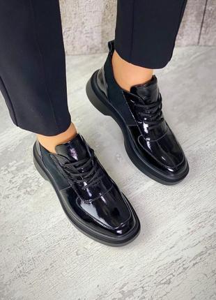 Кожаные натуральные туфли на шнуровке