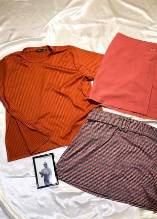 Обнова в магазине (футболка с разрезами и 2 юбки)