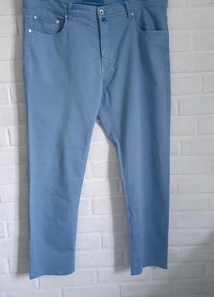 Классные брюки пьер карден очень красивого сероголубого цвета