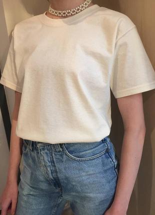 Базовая белая однотонная оверсайз футболка3 фото
