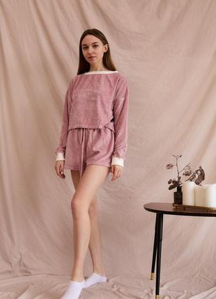 Пижама с шортами велюр