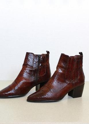 Кожаные казаки ботинки ботильоны змеиная кожа рептилия питон lavorazione artigiana