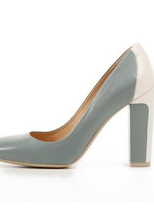 Лаконичные кожаные туфли geox respira
