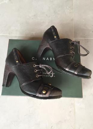 Стильные дорогие итальянские кожаные туфли carnaby premium, состояние новых, оригинал