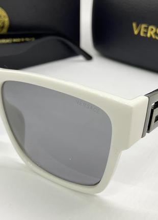 Versace очки женские солнцезащитные оправа белая классика с фигурными черными дужками