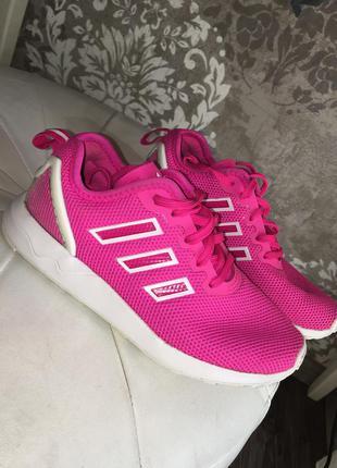 Малиновые кроссовки для девочки adidas оригинал