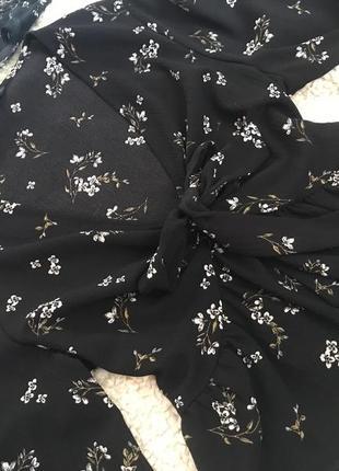 Блуза на завязочках с широкими рукавами