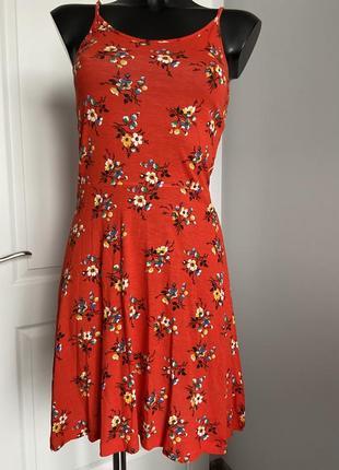 Платье в цветочек р. s