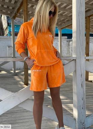 Костюм женский спортивный с шортами