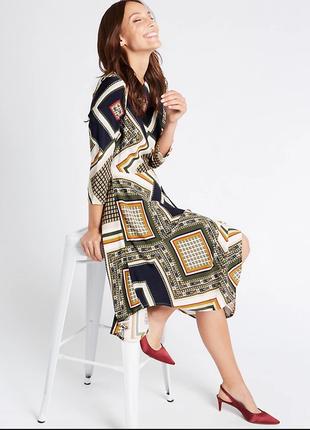 Вискозное миди платье в принт