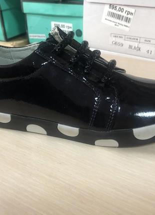 Классные лаковые туфли8 фото