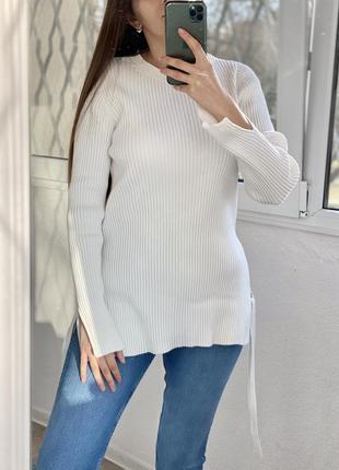 & other stories удлинённый белый джемпер, свитер с завязками по бокам 1+1=3