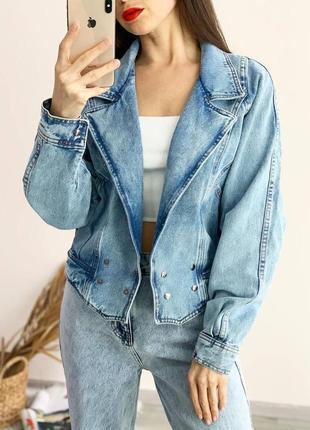 Джинсовая куртка оверсайз в стиле 80-х