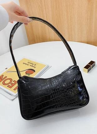 Крутая маленькая чёрная сумочка трендовая сумка 2021