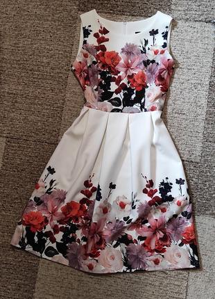 Шикарное нежное платье производство италия