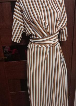 Новое кремовое платье миди в коричневую полоску