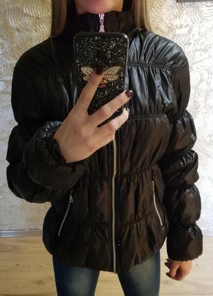 Куртка чёрная болоньевая !