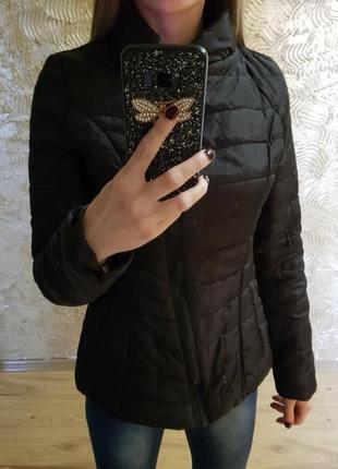 Куртка чёрная болоньевая!
