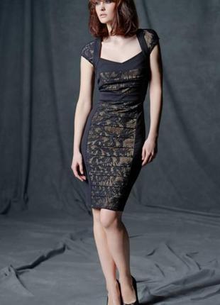 Красивое трикотажное платье с элементами кружева короткий рукав бандажный эффект