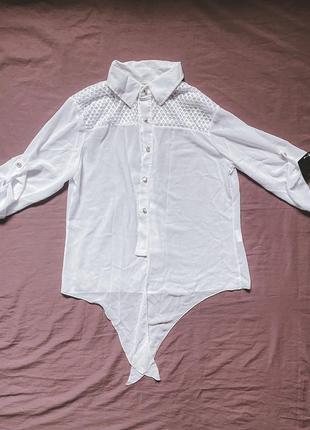 Белая блуза со вставками