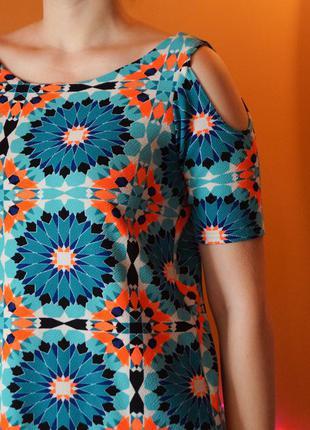 Платье boohoo с открытыми плечиками