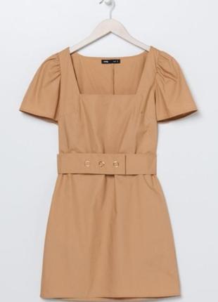 Sale бежевое платье с поясом