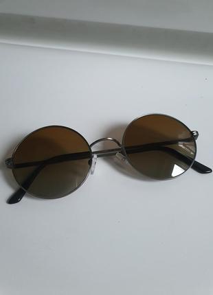 Солнцезащитные очки les lunettes essilor 002