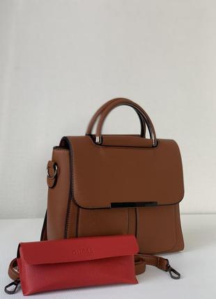 Женская каркасная сумка с плечевым ремешком