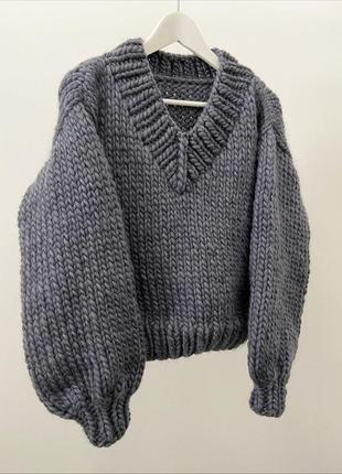 Базовый серый свитер с v-образным вырезом🤍