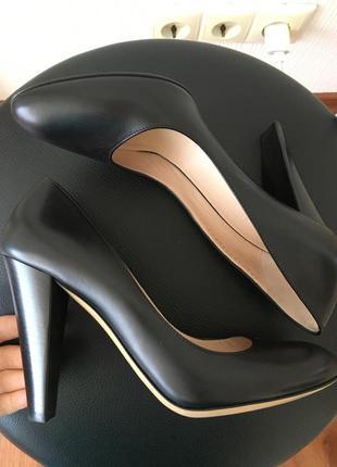 Чёрные классические туфли bally оригинал