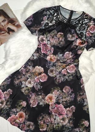 Романтическое вечерние платье в розах и кружевными вставками