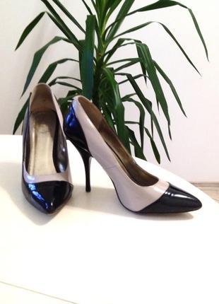 Туфли женские лаковые valentin yudashkin
