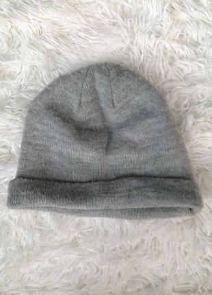 Серая шапка h&m