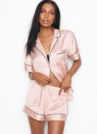 Атласная пижама рубашка и шорты