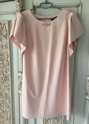 Очень эффектное и элегантное платье