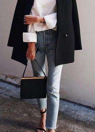 Класичний чорний піджак