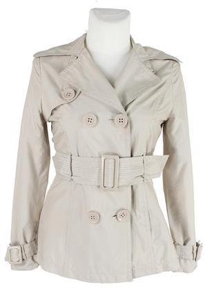 Короткий светло-бежевый плащ-куртка