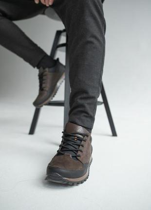 Крутые мужские кроссовки в стиле casual