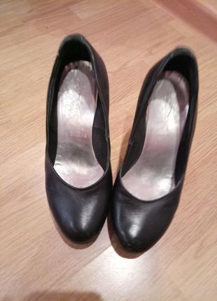Женские кожаные туфли!