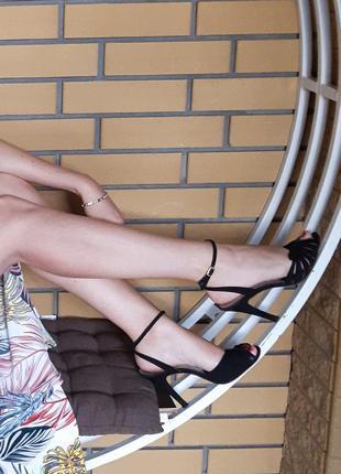 Фирменные босоножки италия кожа 35 36