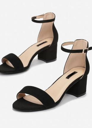 Трендовые босоножки на толстом устойчивом каблуке искусственная замша