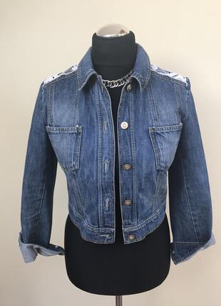 Крутая джинсовая с кружевными вставками и красивой спинкой