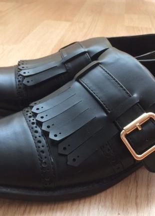 Актуальные ботинки от mng