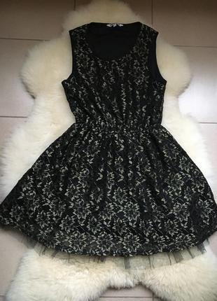 Красивое пышное гипюровое платье