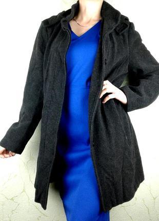 Шерстяное демисезонное весеннее пальто со съемным капюшоном
